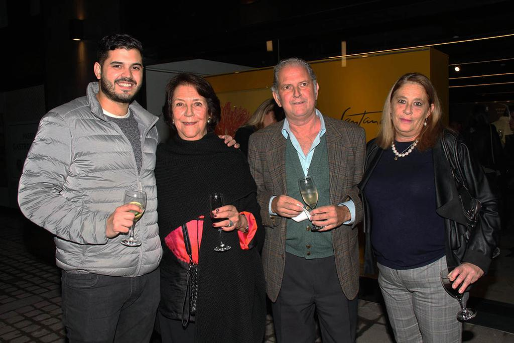 Martín Correas, Julieta Gargiulo, Edmundo Correas y Mercedes Suffern.